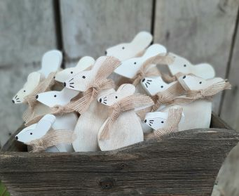 Painted Wooden Mouse Decoration