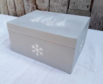 Christmas Tree And Snowflakes  Box
